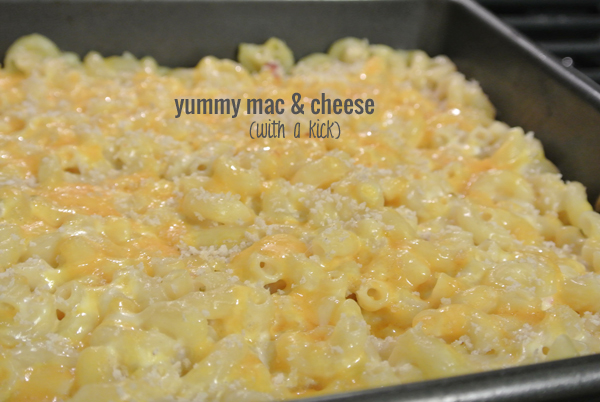 eat up: mac and cheese with a kick | Burritos & Bubbly