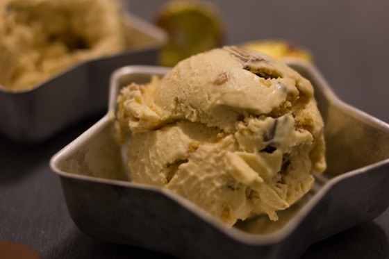 Peanut Butter Cup Ice Cream | Burritos and Bubbly